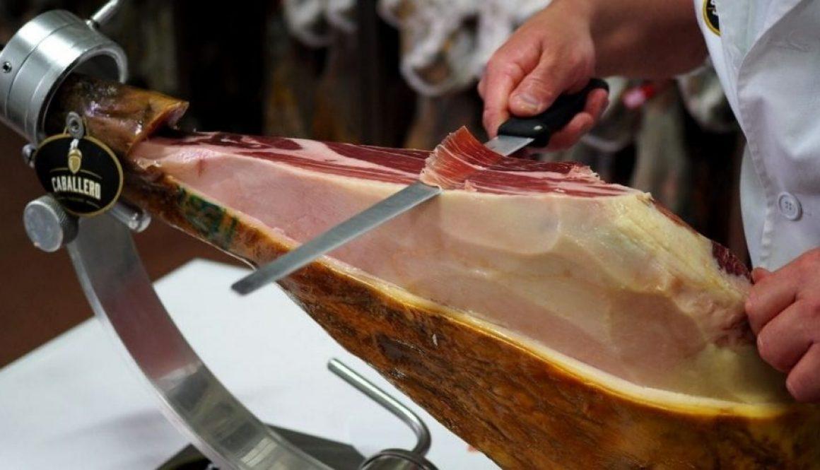 Cómo cortar un Jamón Ibérico
